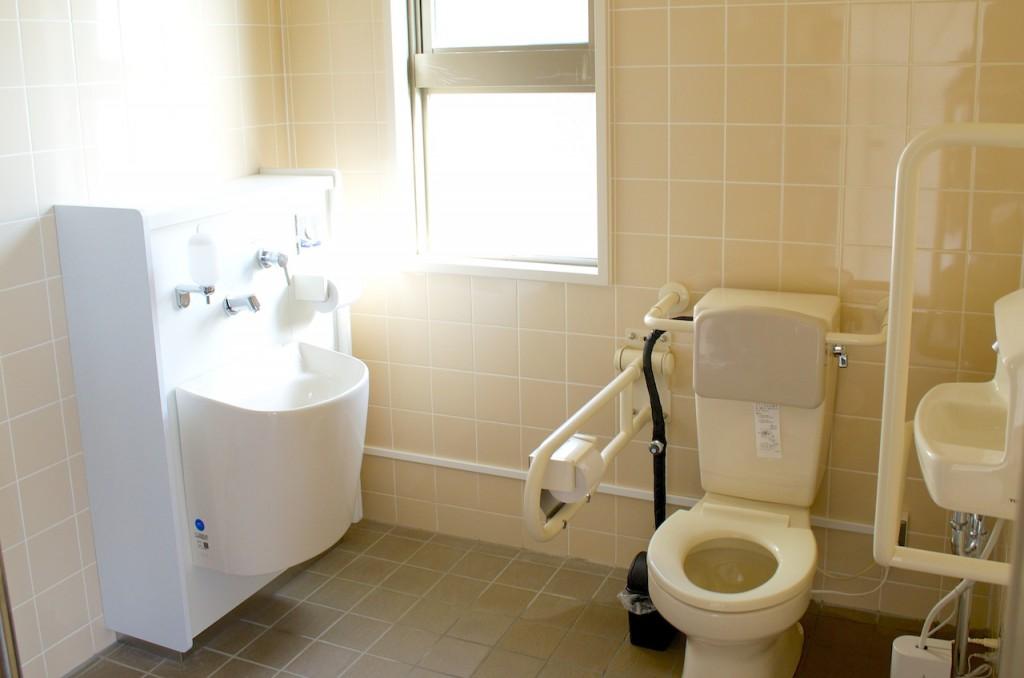 広くてきれいなトイレ
